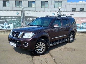Nissan Pathfinder 3.0 л (231 л. с.)