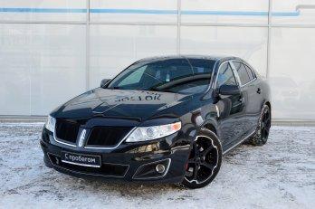 Lincoln MKS 3.7 л (277 л. с.)