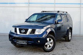 Nissan Pathfinder 2.5 л (174 л. с.)