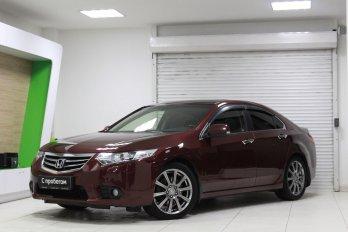 Honda Accord 2.4 л (200 л. с.)