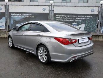 Hyundai Sonata 2.4 л (178 л. с.)