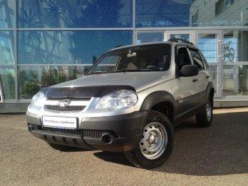 Chevrolet Niva 1.8 л (80 л. с.)