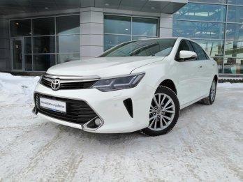 Toyota Camry 2.5 л (181 л. с.)
