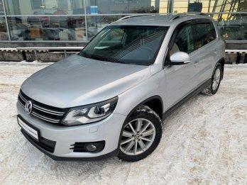 Volkswagen Tiguan 2.0 л (170 л. с.)