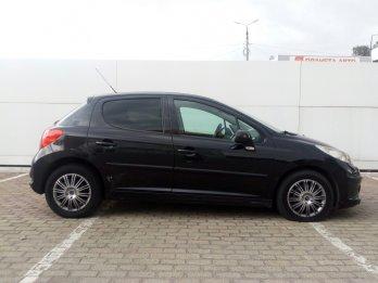 Peugeot 207 1.4 л (75 л. с.)