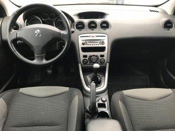 Peugeot 308 1.6 л (120 л. с.)