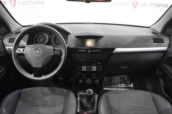 Opel Astra Седан 1.8 л (140 л. с.)